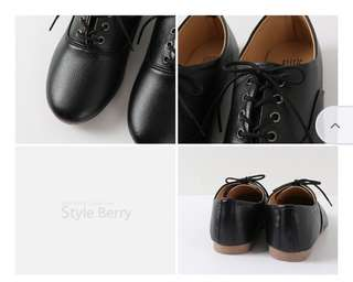 Black Leather Oxford flats size 6-6.5 Premium Quality