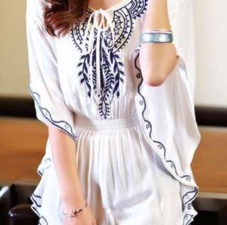 Boho White/Navy Blue Batwing Top