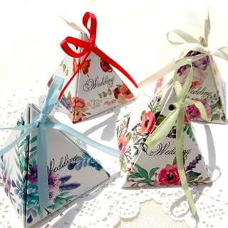 Triangle Ribbon Wedding Table Gift Box
