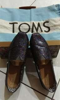 🚚 Toms 亮片鞋