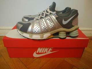 Nike Shox Running Shoes WMN 9-9.5 MEN 8-8.5