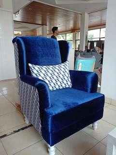 Sofa set (sofa 2 seat , wingchair , dan meja) READY