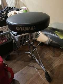 Musical chair (guitar, drums)