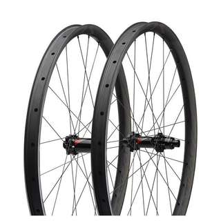 Sale: new Specialized Roval CARBON TRAVERSE SL FATTIE 27.5 / 650b wheelset FOR 100/142mm