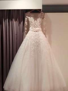 Zuhair murad wedding dress (only wear once on my wedding)