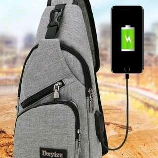 OWAY SHOP USB 外置充電接口 男肩背包 牛津單肩包 運動休閒包 休閒牛津包 運動小包 斜揹包