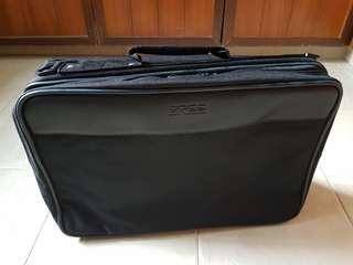 男用手提箱包