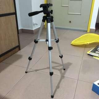 Camera Tripod Stand (Phone Ok)