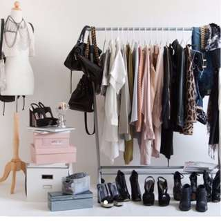 [MORE THAN 200 CLOTHES LEFT] HIGHLY RAVED GRAB BAGS