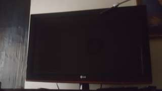 Anyone giving away TV..)no tv currently
