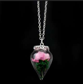 [New] Beauty and The Beast Rose in Retro Glass Bubble Necklace