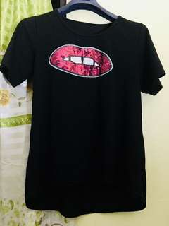 Black lippy shirt