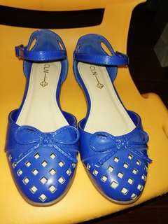 Doll shoes size 5