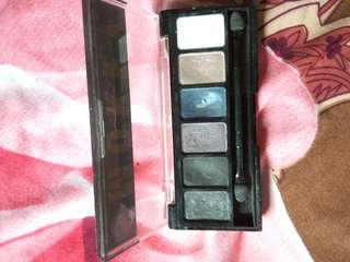 Eyeshadow pallets nyx