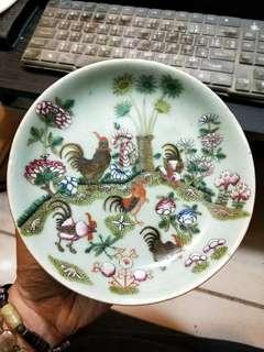 古瓷器清代豆青釉粉彩盤