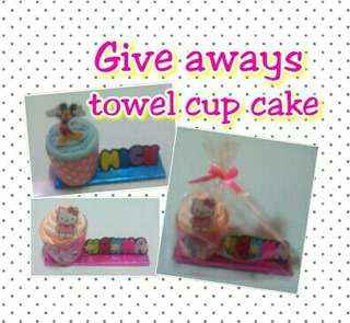 Cup cake towel with name
