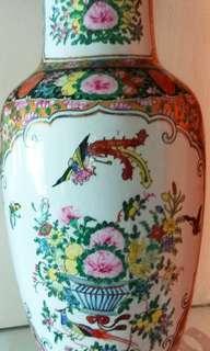 廣彩Vase porcelain制造后由廣州加彩多為出口到国外的货品