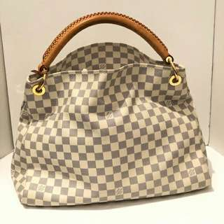 Louis vuitton / artsy.MM/orig.