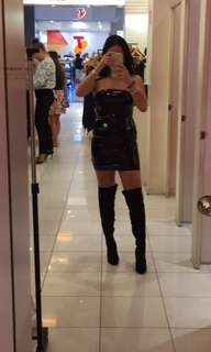 Black knee high boots, perfect condition worn once!