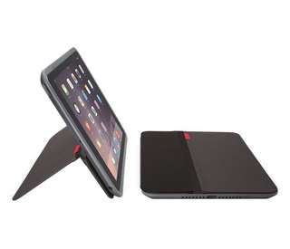 IPad Air 2, wifi only, 16gb, space gray with Logitech case