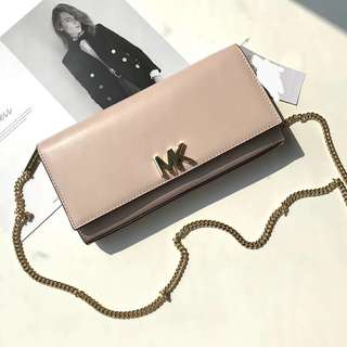 Michael Kors turnlock nappa Leather WOC / wallet On Chain - beige