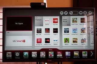 "For sale LG 32"" SMART 3D LED TV"