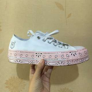 (LIMITED EDITION!) Converse x Miley Cyrus Lift Low Top Sneakers