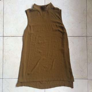 H&M camouflage green sleeveless top