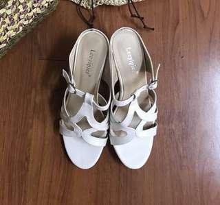 全新白色盛夏羅馬高跟拖鞋39號