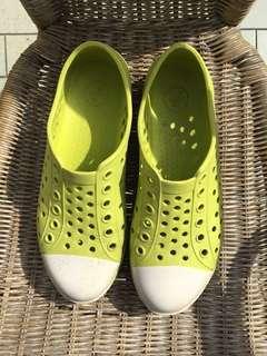 Casual rubber sneaker 👟