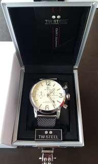 TW Steel Maverick Cream Dial Milanese Bracelet Mens Watch (MB4)