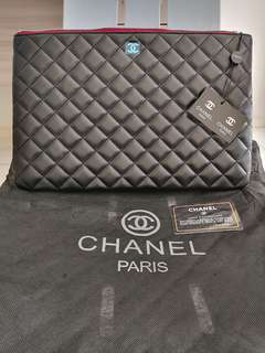 Chanel Caviar Large O Case