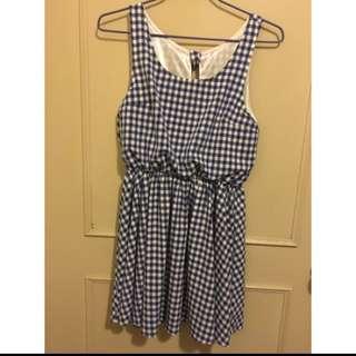 🚚 藍格紋洋裝one size