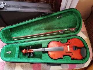 Cremona 1/2 violin