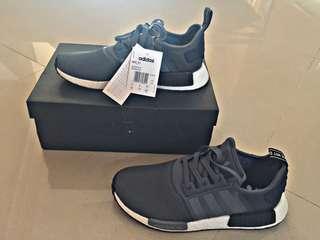 Sepatu adidas NMD_R1