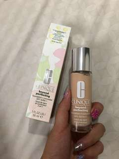 CLINIQUE BEYOND PERFECTING FOUNDATION + CONCEALER SPF 19/ PA++
