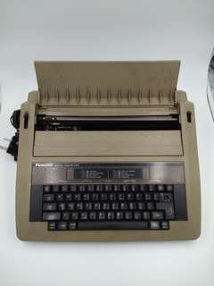 Panasonic Electronic Typewriter R305