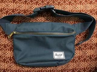 Herschel beltbag navy blue