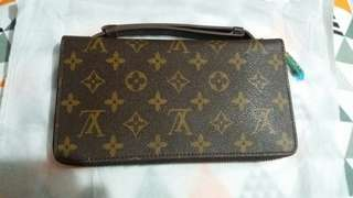 Dompet Louis Vuitton