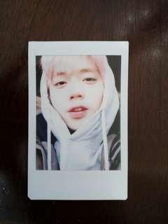 wannaone park jihoon polaroid