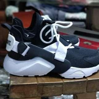 🚚 Nike 武士鞋 air huarache city 黑