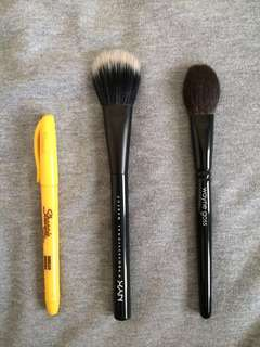 NYX Professional Makeup PROB08 Pro Dual Fiber flat powder brush