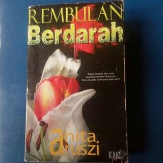 Novel: Rembulan Berdarah