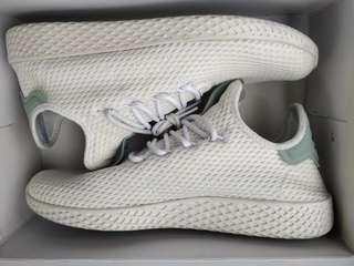 Pharell Tennis Hu Size 9 Triple White (2nd Hand)