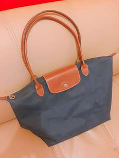Authentic & preloved Longchamp bag with serial number