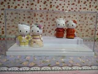 Miniatur hello kitty wedding