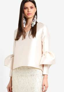 Structured Bell Sleeve Top Lubna