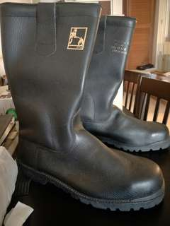 *Reduced Price* Boots (Firefighter) SZ 11 *Price is NEGO! *