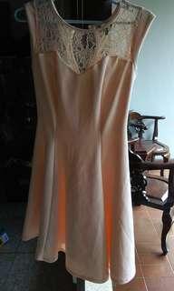 Mini dress krem new look size 8