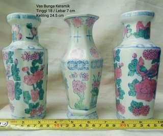 3 Buah Vas Bunga Antik